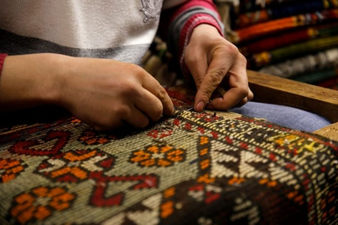 How Carpet Made - The Process of Making Carpets